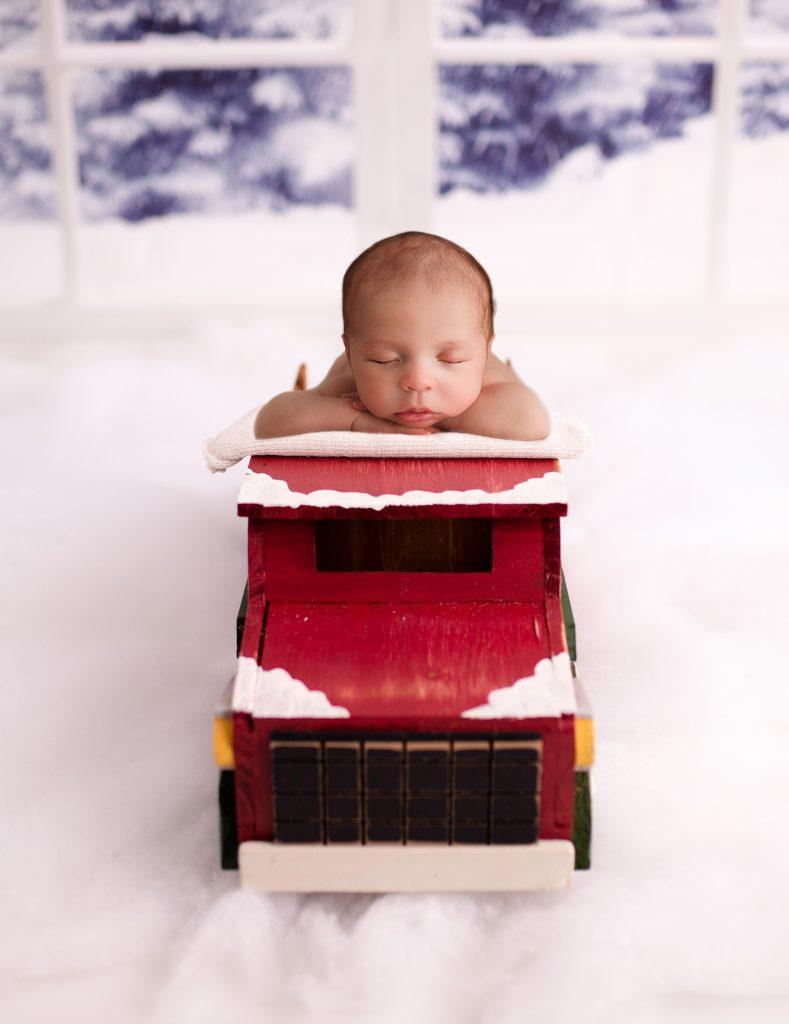 Christmas Newborn Photos Carmel Indiana
