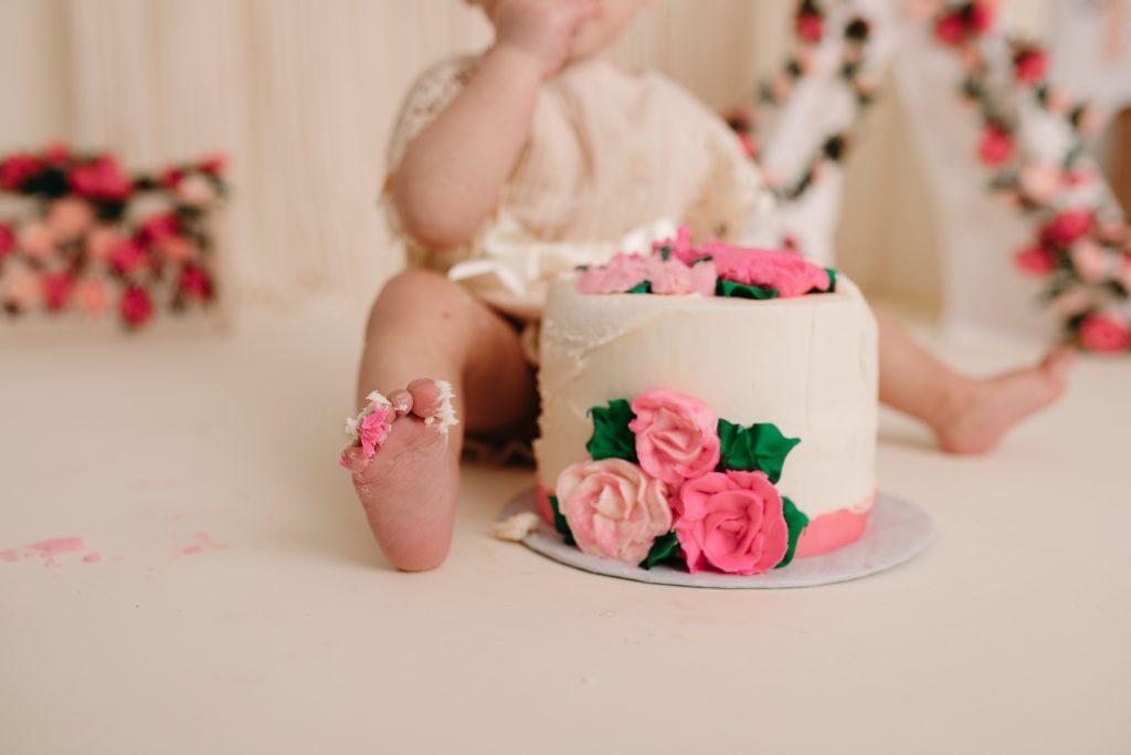 Custom Themed Cake Smash Photographer