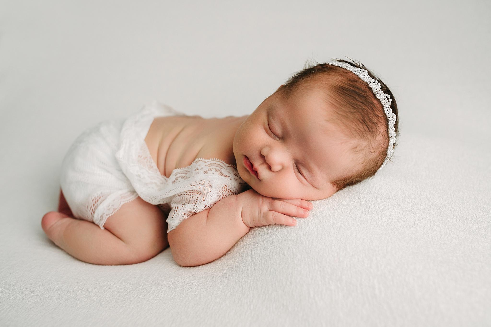 Carmel Indianapolis Best Newborn Photographer Near me